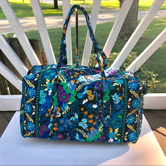 18f8ee917f2f Vera Bradley large duffel Midnight Blues